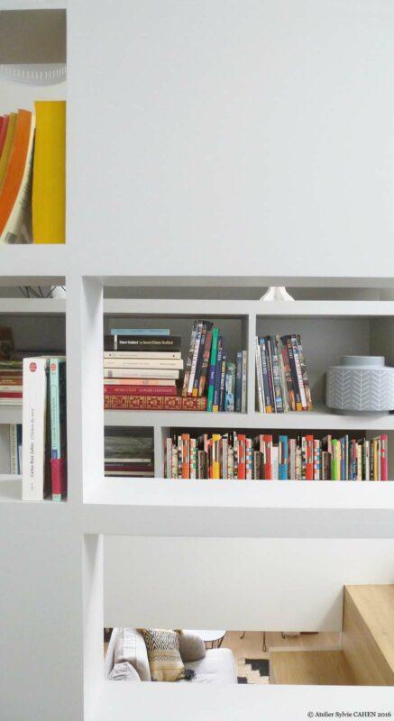 Atelier Sylvie Cahen Architecte Intérieur Paris 12 éme choisy paris pratique fonctionnel design contemporain tendance étagère biblothéque vue à travers trémie