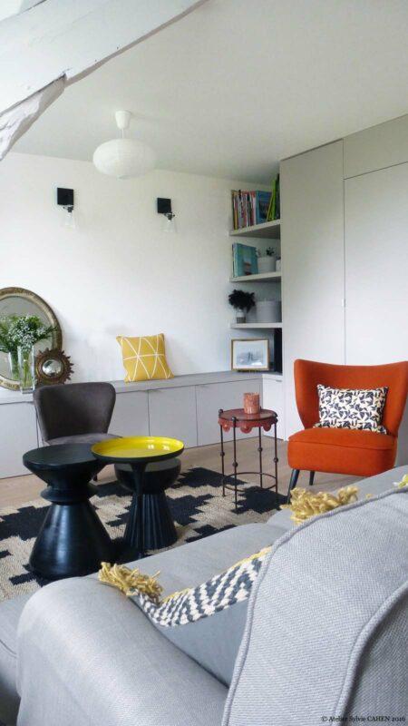 Atelier Sylvie Cahen Architecte Intérieur Paris 12 éme choisy paris pratique fonctionnel design contemporain tendance canapé gris fauteuil orange Niche étagère rangement banc