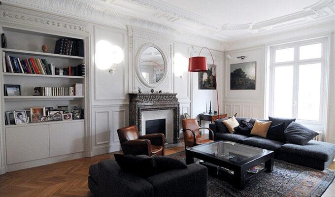 Atelier Sylvie Cahen Architecte Intérieur Paris 12 éme Messine Paris design contemporain meuble structurant sur mesure contraste séjour chic parisien moulure cachet bibliothéque étagère haussmanien